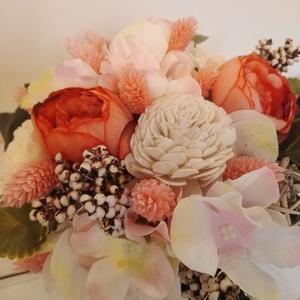 Selyemvirágos dísz, Otthon & Lakás, Dekoráció, Asztaldísz, Virágkötés, Kb 18 cm magas, 20 cm átmérőjűt fehér kaspós dísz selyemvirágokkal. , Meska