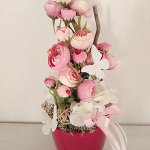 Boglárkás dísz, Otthon & Lakás, Dekoráció, Asztaldísz, Virágkötés, Kb. 30 cm magas, boglárkás dísz pink kaspóban. , Meska