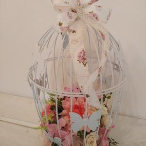 Kalitka selyemvirágokkal , Otthon & Lakás, Dekoráció, Dísztárgy, Virágkötés, 40 cm magas, 23 cm átmérőjű, rózsaszín - krém virágokkal díszített fehér kalitka. , Meska