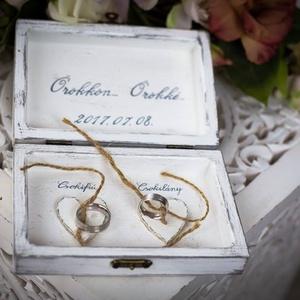 gyűrű tartó doboz fából, Esküvő, Gyűrűpárna, Ha nem szeretnéd a szokásos gyűrűtartó párnát stb választani a nagy napodon és valami egyedit kerese..., Meska