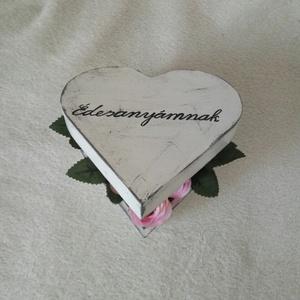 Szív alakú fadoboz virággal (Csicsi8) - Meska.hu