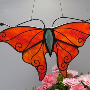 Tiffany pillangós ablakdísz, Otthon & lakás, Dekoráció, Lakberendezés, Üvegművészet, Tiffany technikával készült ablakdísz. Mérete 13 x 10 cm., Meska
