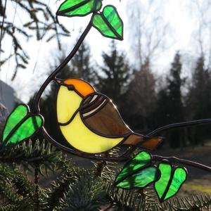 Tiffany madár, Otthon & lakás, Dekoráció, Lakberendezés, Üvegművészet, Tiffany technikával készült függeszthető ablakdísz, falidísz. Mérete kb. 20 cm.\nA képeken látható ma..., Meska