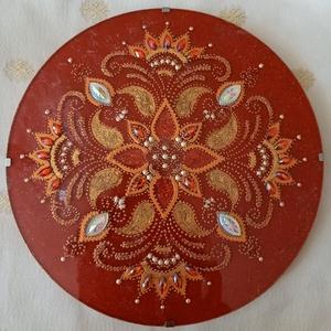 Gyökércsakra Mandala, Otthon & lakás, Dekoráció, Kép, Üvegművészet, Festészet, Gyökércsakra mandala\nErősíti a lelki, érzelmi és egzisztenciális biztonságot, stabilitást. Csontrend..., Meska