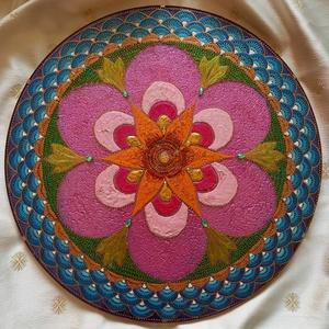 Nyár Mandala, Otthon & lakás, Dekoráció, Kép, Festészet, Üvegművészet, Nyár mandala\nSegít megtölteni erővel, energiával az életünket vagy akár fellendíteni a vállalkozásun..., Meska