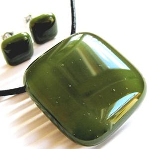 Mohazöld üveg medál és fülbevaló, NEMESACÉL, üvegékszer szett, Ékszer, Ékszerszett, Ékszerkészítés, Üvegművészet, Meska