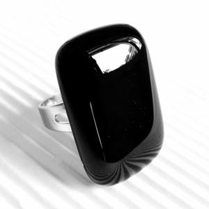 Elegáns fekete üveg gyűrű, üvegékszer, Ékszer, Gyűrű, Statement gyűrű, Ékszerkészítés, Üvegművészet, Meska