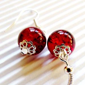 Rubin gyöngy-csepp üveg-gyöngy fülbevaló, üveggyöngy ékszer, Ékszer, Fülbevaló, Lógós fülbevaló, Ékszerkészítés, Gyöngyfűzés, gyöngyhímzés, Rubin vörös, roppantott  üveg-gyöngy, ezüst ékszerdíszekkel fényesítve. Feltűnő, mutatós, trendi éks..., Meska