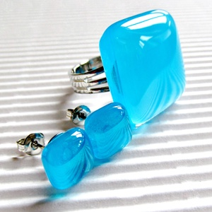 Égszínkék tükörfény üveg gyűrű és fülbevaló orvosi fém bedugón, üvegékszer szett, Ékszer, Ékszerszett, Ékszerkészítés, Üvegművészet, Meska