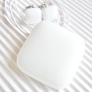 Hófehér üveg rombusz medál és fülbevaló, NEMESACÉL/ORVOSI FÉM, üvegékszer szett - ékszer - ékszerszett - Meska.hu