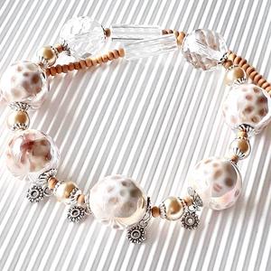 Aphrodité nyakék, üveggyöngy, gyöngyékszer, Ékszer, Nyaklánc, Statement nyaklánc, Ékszerkészítés, Gyöngyfűzés, gyöngyhímzés, A szépség és szerelem istennőjéről neveztem el ezt a gyönyörű nyakéket, kedvenceim egyike. Selymes f..., Meska