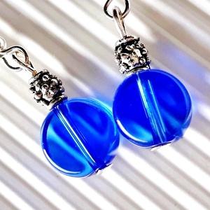 Kéklő hajnal gyöngy fülbevaló, üveggyöngy - ékszer - fülbevaló - lógós kerek fülbevaló - Meska.hu
