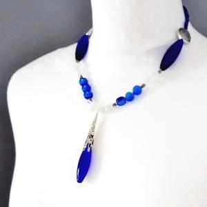 AKCIÓ - Kékségek királynője üveggyöngy nyakék, üveggyöngy ékszer, Ékszer, Nyaklánc, Medálos nyaklánc, Ékszerkészítés, Gyöngyfűzés, gyöngyhímzés, Meska