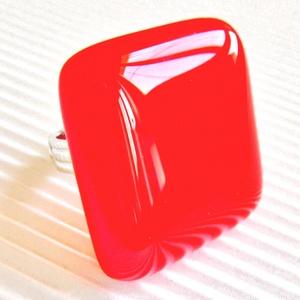 Meggypiros üveg maxi gyűrű, üvegékszer, Ékszer, Gyűrű, Statement gyűrű, Ékszerkészítés, Üvegművészet, Meska