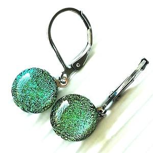 Smaragdzöld csillogás francia kapcsos dichroic fülbevaló, ORVOSI FÉM alapon, üvegékszer  - Meska.hu