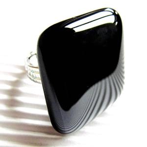 Éjfekete maxi üveg gyűrű, üvegékszer, Ékszer, Gyűrű, Statement gyűrű, Ékszerkészítés, Üvegművészet, Meska