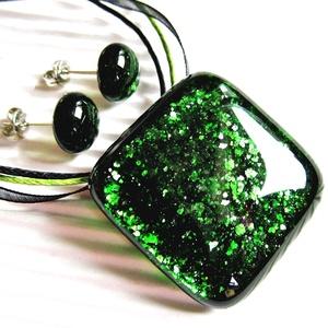 Szikrázó mohaszőnyeg sötétzöld üveg medál és fülbevaló, NEMESACÉL, üvegékszer szett - Meska.hu