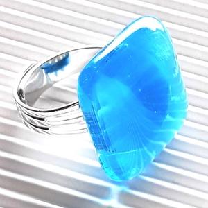 Égszínkék tükörfény üveg gyűrű, üvegékszer, Ékszer, Gyűrű, Statement gyűrű, Ékszerkészítés, Üvegművészet, AKCIÓ! - 3 BÁRMILYEN TERMÉK vásárlása esetén a harmadikból 50 % KEDVEZMÉNY, akár INGYEN POSTÁZÁS és ..., Meska