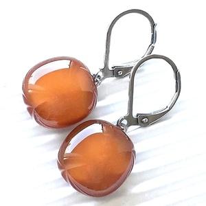 Karamell üveg kocka franciakapcsos fülbevaló orvosi fém akasztón, üvegékszer, Ékszer, Fülbevaló, Lógó fülbevaló, Ékszerkészítés, Üvegművészet, Meska