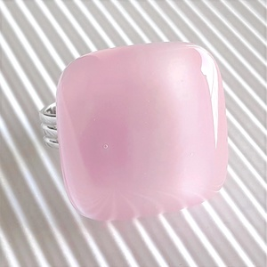 Fátyolos rózsaszín üveg gyűrű, üvegékszer, Ékszer, Gyűrű, Statement gyűrű, Ékszerkészítés, Üvegművészet, Meska