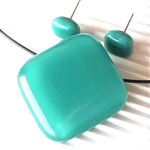 Hamvas smaragd üveg kocka medál, gyűrű és fülbevaló, NEMESACÉL/ORVOSI FÉM, üvegékszer szett - ékszer - ékszerszett - Meska.hu