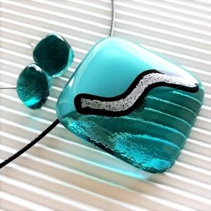 Ezüstös tenger üveg medál és fülbevaló orvosi fém bedugón, üvegékszer szett, Ékszer, Ékszerszett, Ékszerkészítés, Üvegművészet, Meska