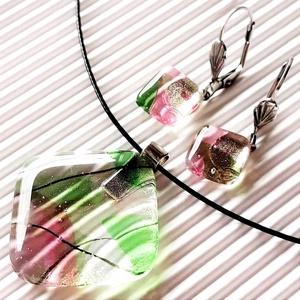 Vadrózsabokor üveg medál és franciakapcsos fülbevaló orvosi fém alapon, üvegékszer szett, Ékszer, Ékszerszett, Ékszerkészítés, Üvegművészet, AKCIÓ – HÁROM BÁRMILYEN ÉKSZER VÁSÁRLÁSAKOR A HARMADIK FÉLÁRON!\n\nÁgak, bogak, levélkék üvegbe fagyva..., Meska