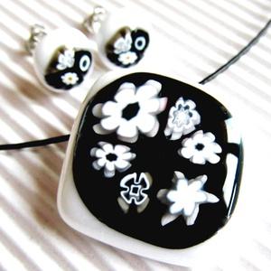 NEMESACÉL: White and black virágfüzér üveg medál és fülbevaló, üvegékszer szett, Ékszer, Ékszerszett, Ékszerkészítés, Üvegművészet, Fehér és fekete alapra olvasztottam fekete-fehér millefiori virág-gyöngyöket. Klasszikusan elegáns é..., Meska