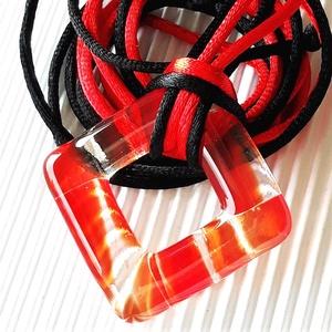 Főnix maxi rombusz fémmentes üveg medál, üvegékszer, Ékszer, Nyaklánc, Medálos nyaklánc, Ékszerkészítés, Üvegművészet, Áttetsző, narancsos piros felhőmintás ékszerüvegből olvasztottam ezt az elegáns, mutatós, trendi éks..., Meska