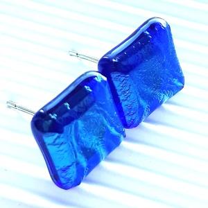 Orvosi fém alapon sejtelmes zafír fény üveg fülbevaló, üvegékszer, Ékszer, Fülbevaló, Pötty fülbevaló, Ékszerkészítés, Üvegművészet, Meska