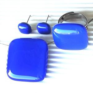 Királykék üveg rombusz nyaklánc, gyűrű és fülbevaló orvosi fém bedugón, üvegékszer szett - ékszer - ékszerszett - Meska.hu