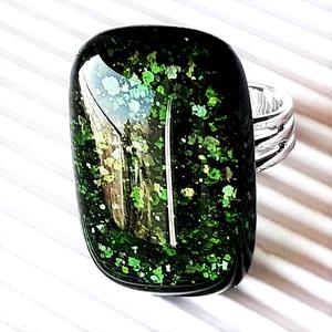Szikrázó mohaszőnyeg elegáns üveg gyűrű, üvegékszer, Ékszer, Gyűrű, Statement gyűrű, Ékszerkészítés, Üvegművészet, Meska
