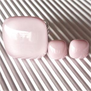 Sápadt rózsaszín üveg gyűrű és fülbevaló orvosi fém bedugón, üvegékszer szett - Meska.hu