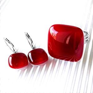 Meggyszörp gyűrű és fülbevaló orvosi fém franciakapcsos akasztón, üvegékszer szett, Ékszer, Ékszerszett, Ékszerkészítés, Üvegművészet, Meska