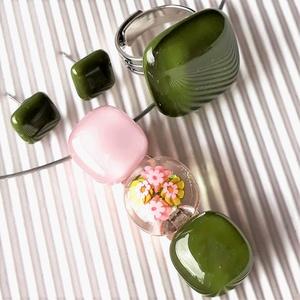 Romantikus vintage virág-gyöngysor üveg medál, mohazöld gyűrű és fülbevaló orvosi fém bedugón, millefiori, üvegékszer - Meska.hu