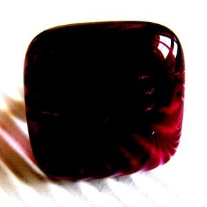 Pinkes meggybordó kocka üveg gyűrű, üvegékszer, Ékszer, Gyűrű, Statement gyűrű, Ékszerkészítés, Üvegművészet, Meska
