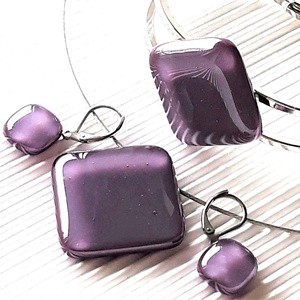 Orgonalila nyaklánc, fém pántos karkötő és franciakapcsos fülbevaló orvosi fém akasztón, üvegékszer szett, Ékszer, Ékszerszett, Ékszerkészítés, Üvegművészet, AKCIÓ! - 3 BÁRMILYEN TERMÉK vásárlása esetén a harmadikból 50 % KEDVEZMÉNY, akár INGYEN POSTÁZÁS és ..., Meska