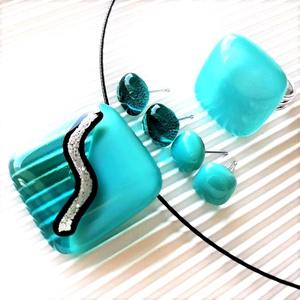 Ezüstös tenger üveg medál, gyűrű és 2 pár fülbevaló orvosi fém bedugón, üvegékszer szett, Ékszer, Ékszerszett, Ékszerkészítés, Üvegművészet, Meska