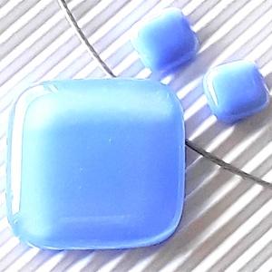 Levendula rombusz üveg medál és fülbevaló orvosi fém bedugón, minimal üvegékszer szett - Meska.hu