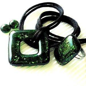 Szikrázó mohaszőnyeg sötétzöld maxi fémmentes üveg medál, gyűrű + fülbevaló NEMESACÉL, üvegékszer szett, Ékszer, Ékszerszett, Ékszerkészítés, Üvegművészet, Meska