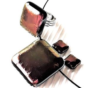 Arany-bíbor hajnalfény üveg medál, gyűrű és fülbevaló orvosi fém bedugón, üvegékszer szett - ékszer - ékszerszett - Meska.hu