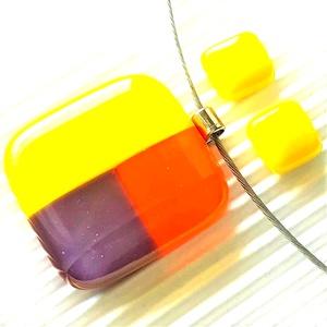 NEMESACÉL: Kockás napernyő sárgában mozaik üveg medál és fülbevaló orvosi fém bedugón, üvegékszer szett , Ékszer, Ékszerszett, Ékszerkészítés, Üvegművészet, Meska