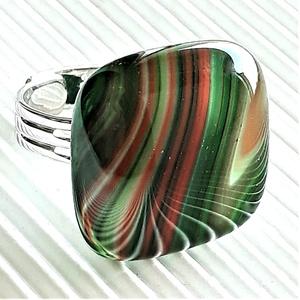 Fenyőzöld hullámjáték üveg gyűrű, üvegékszer - ékszer - gyűrű - statement gyűrű - Meska.hu