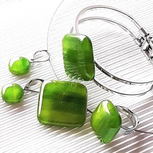 Lorien erdeje kocka üveg medál, karkötő, gyűrű és bedugós fülbevaló orvosi fém alapon, üvegékszer szett - Meska.hu