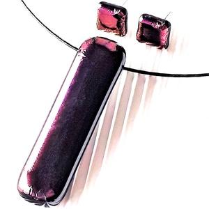 Bíbor hajnalfény elegáns üveg medál és fülbevaló orvosi fém bedugón, minimal design, üvegékszer szett - Meska.hu