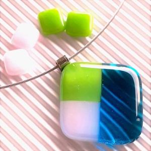 NEMESACÉL: Tavasz tündér mosolya égkék-fűzöld-rózsaszín mozaik üveg medál, üvegékszer  - ékszer - nyaklánc - medálos nyaklánc - Meska.hu