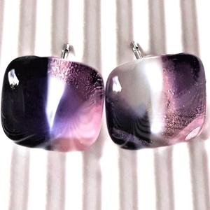Vágyakozás pink-ametiszt kocka üveg fülbevaló orvosi fém bedugón, üvegékszer - ékszer - fülbevaló - pötty fülbevaló - Meska.hu