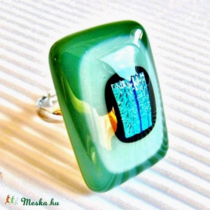 Szélforgó smaragdban üveg gyűrű, üvegékszer - ékszer - gyűrű - statement gyűrű - Meska.hu
