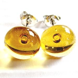 Aranysárga, áttetsző pötty fülbevaló orvosi fém bedugón, üvegékszer - ékszer - fülbevaló - pötty fülbevaló - Meska.hu