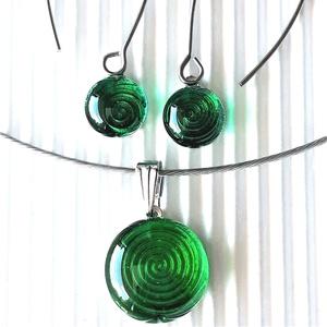 Smaragd út a végtelenbe pötty medál és pötty lógós fülbevaló NEMESACÉL/ORVOSI FÉM, üvegékszer szett - Limitált széria!, Ékszer, Ékszerszett, Ékszerkészítés, Üvegművészet, Meska